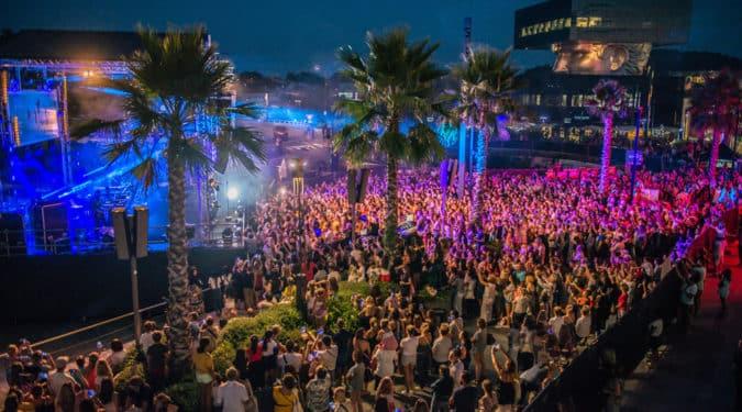 vue sur la scène du concert de Polygone Riviera