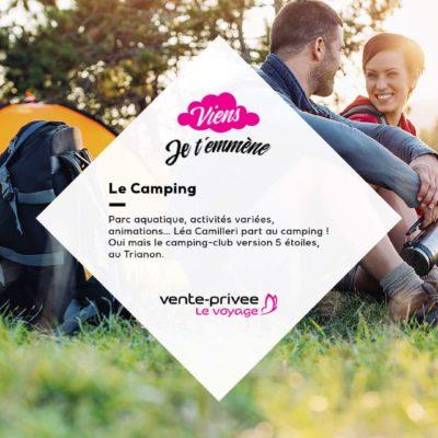 trois personnes assises dans l'herbe campent grâce a vente privées voyage